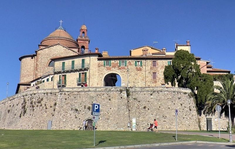 Кастильоне-дель-Лаго (Castiglione del Lago), Умбрия, Италия - достопримечательности, путеводитель
