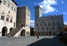 """A Todi il primo """"Todi Ferrari Festival"""": la Rossa irrompe a Piazza del Popolo"""