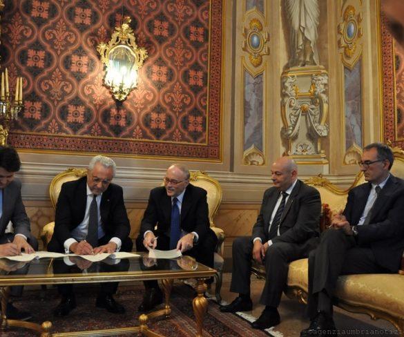 Firmata la convenzione tra Vigili del Fuoco – Prefettura – Regione Umbria