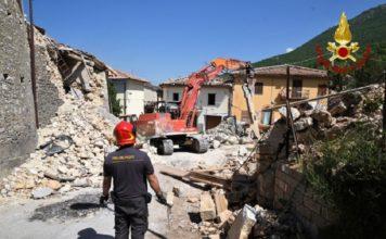 Assisi ringrazia i Vigili del Fuoco per l'impegno durante il sisma del '97