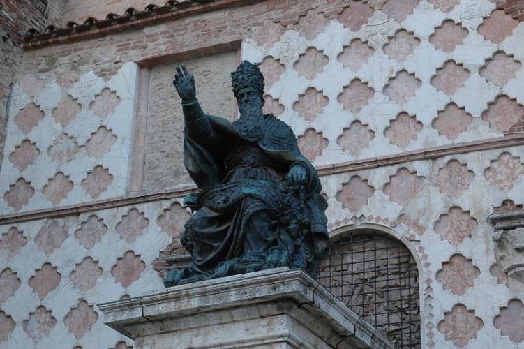 Perugia: la chiesa ordina sei nuovi diaconi