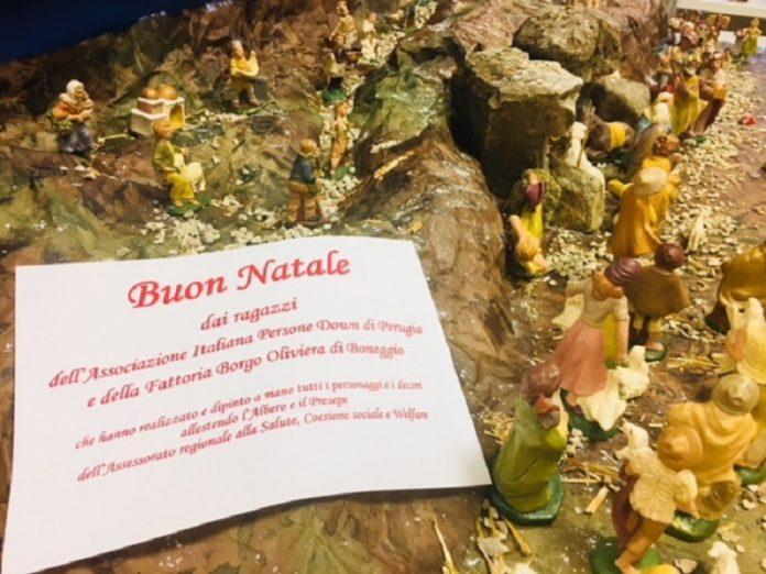 Regione Umbria: decori natalizi datti da ragazzi affetti dalla sindrome di down